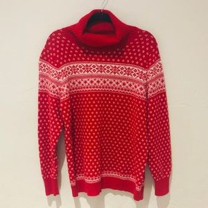 Lands End   Holiday Turtleneck in red and white